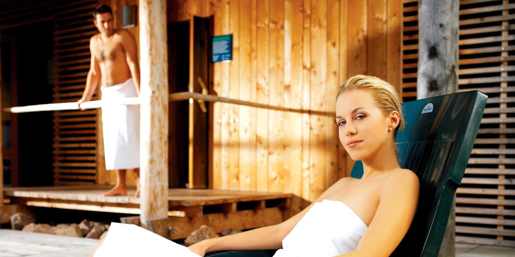 In der sauna steifen Sohn hat