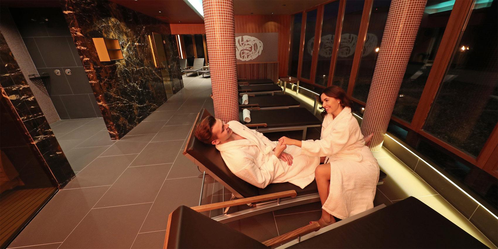 Новое предложение отеля «Бальнеа» **** супериор: сауна с видом на живописную долину.